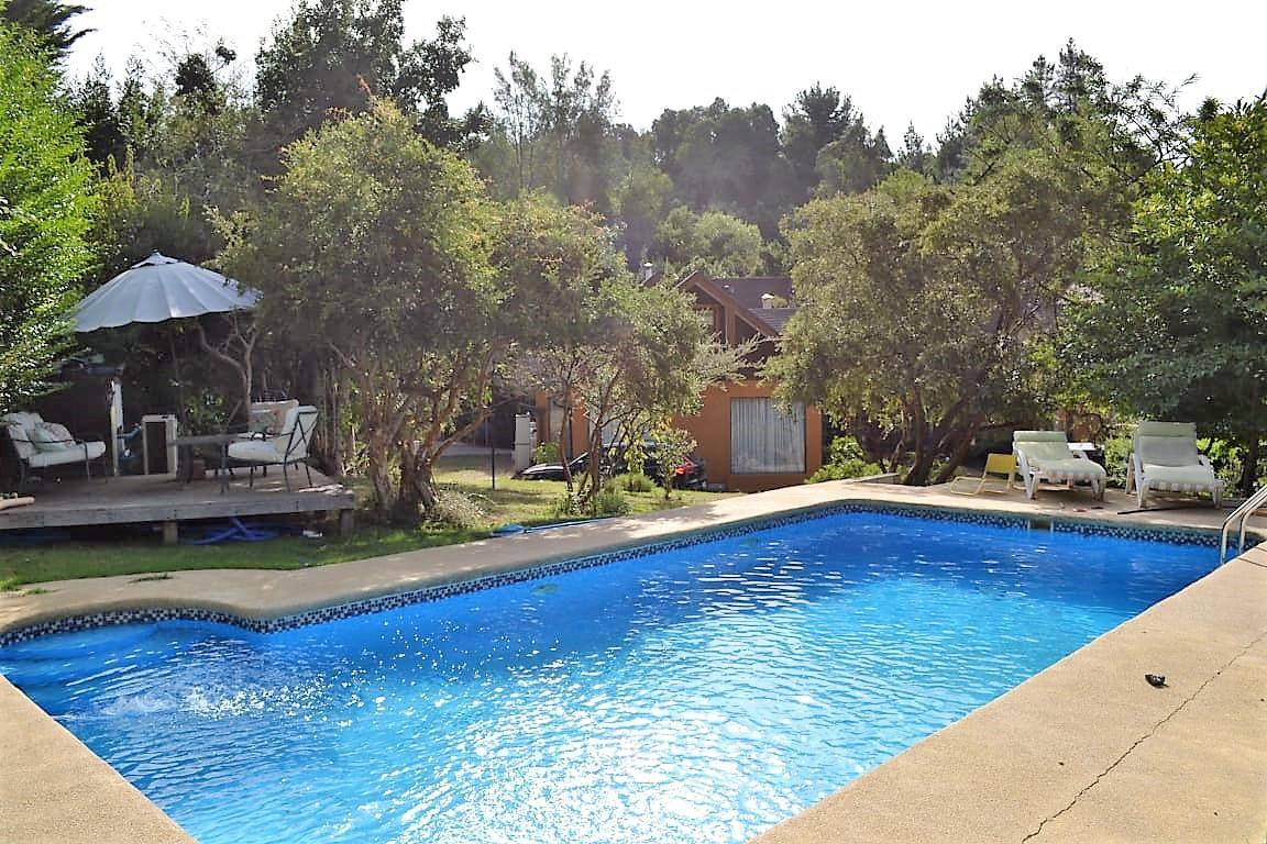 Maravillosa propiedad c/ casa y piscina, camino a SANTA JUANA, 2.500m2