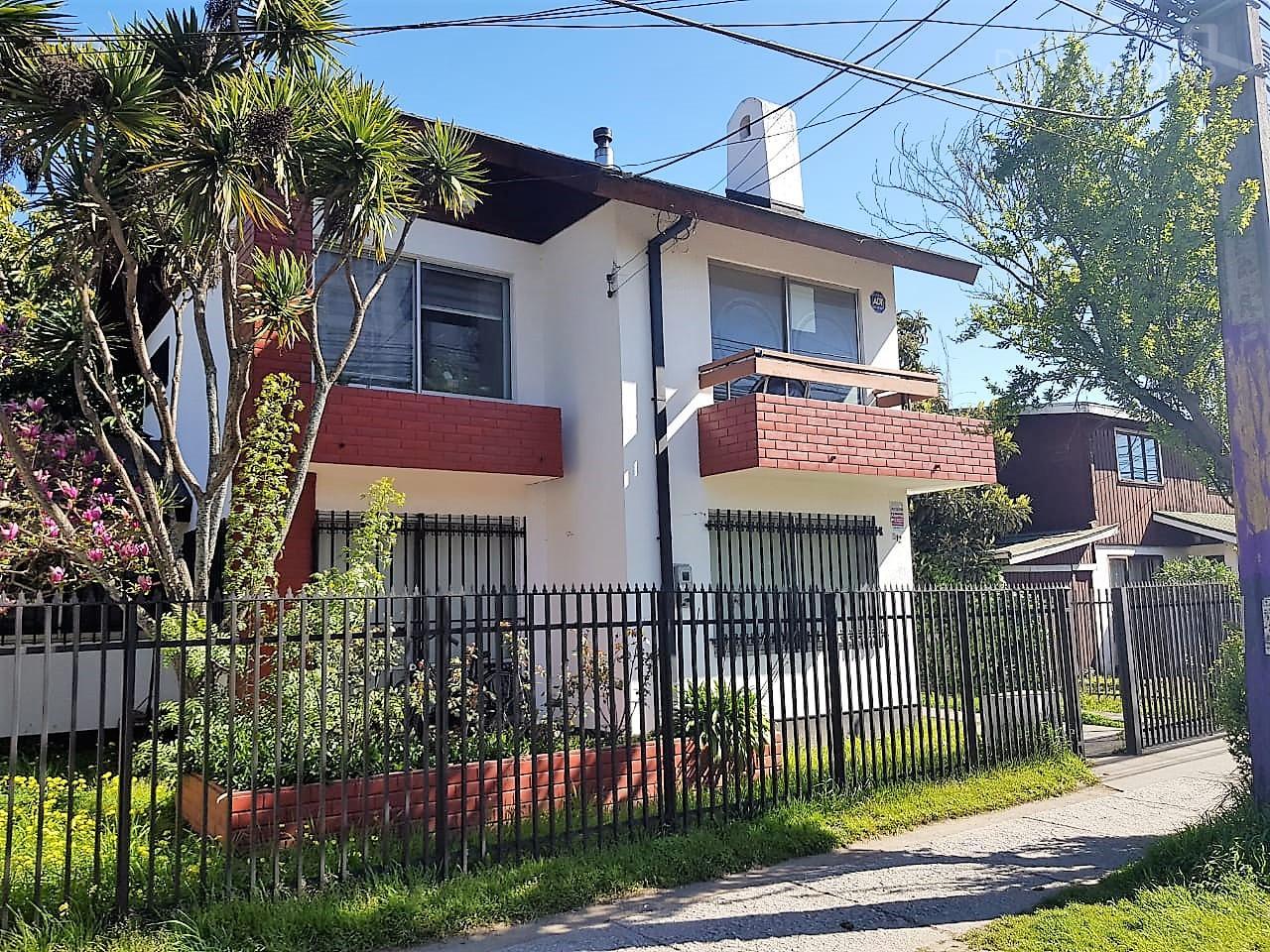 AMPLIA Propiedad  2 Casas, Destino Habitacional  en Concepción