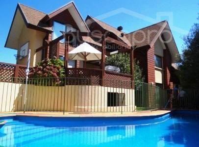 Exclusiva Residencia en el mejor sector de Andalue, piscina y terraza techada