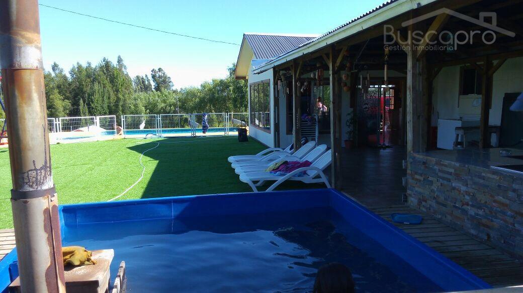 Casa quinta con piscina y arboles frutales en Quillon