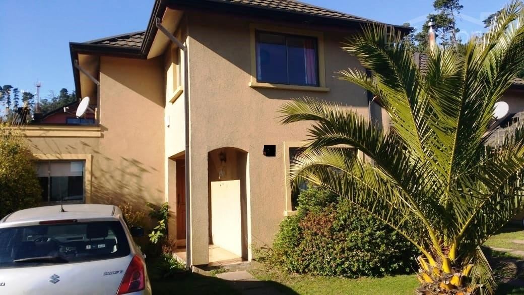 En Condominio casa Calafquen 4d 3d 2e con terraza, SPV